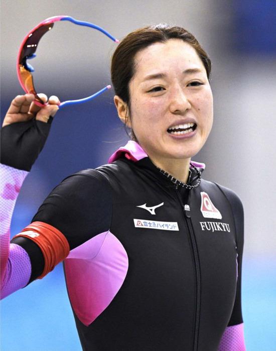 スピードスケート女子の菊池彩花選手(30)=富士急=は昨季、大けがを負いながらも、復活を果たして平昌冬季五輪切符をつかみ取った。けがを「経験」と捉えて前向き